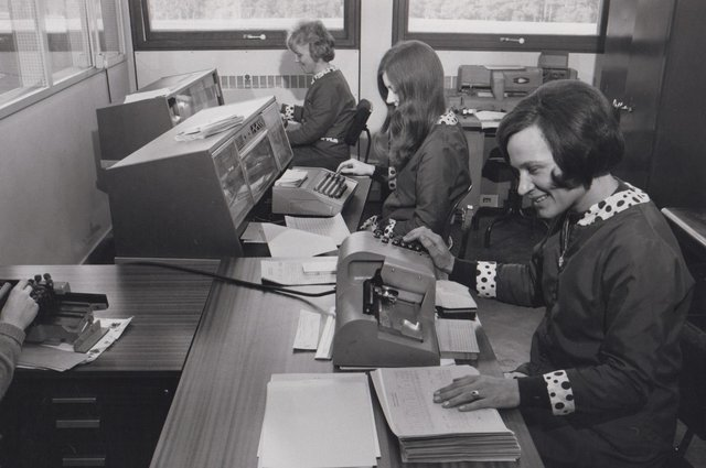 At work in the accounts section of the former Glenrothes Development Corporation in what is now Fife House (Pic: OnFife)