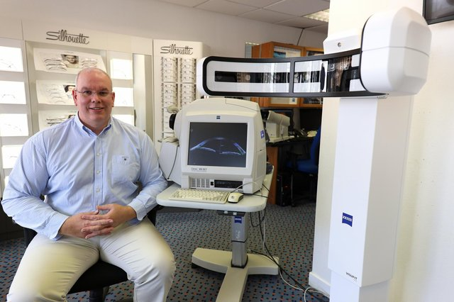 Kirkcaldy optician Cliff Williams using technological contactless innovations from ZEISS Vision Care as part of consultations to ensure social distancing.