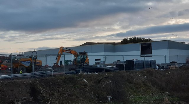 Work to  build the new Lidl on Kirkcaldy Esplanade is on going