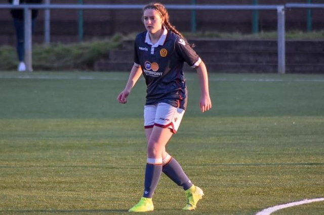Glenrothes footballer Rachael Poneskis impressed on a trial and has now won a scholarship in the USA