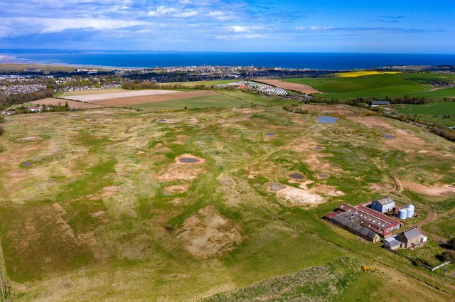 Lying 2.5 kilometres south west of the university town of St Andrews, adjacent to the A915 main road, the 97.58-hectare Feddinch Mains site already has consent dating from 2004 for the development of an 18-hole championship golf course.