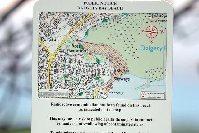 Warning signs posted at Dalgety Bay beach (Pic: TSPL)