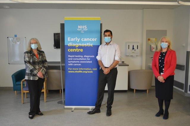 Mr Yousaf MSP met with lead cancer nurse, Murdina MacDonald; lead cancer clinician, Neil Cruickshank, and radiology charge nurse, Sheena Clampett; along with the Board Chair, Tricia Marwick; Chief Executive, Carol Potter; and Medical Director, Dr Christopher McKenna.