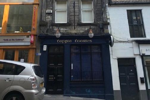 Tappie Toorie pub in Dunfermline