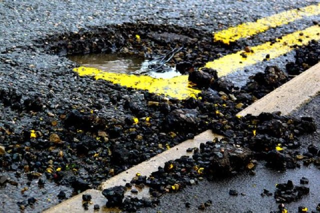 Dunfermline councillors plan to improve roads and pavements