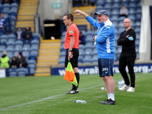 Raith boss John McGlynn gives instructions against Stranraer (Pic: Fife Photo Agency)
