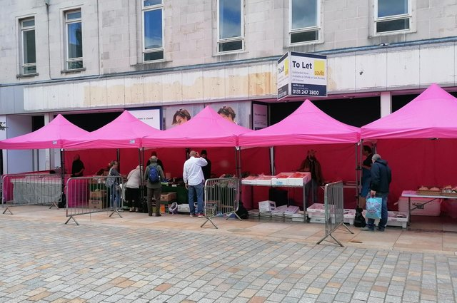 Artisan  Friday is snow extending into a monthly Saturday market on High Street, Kirkcaldy