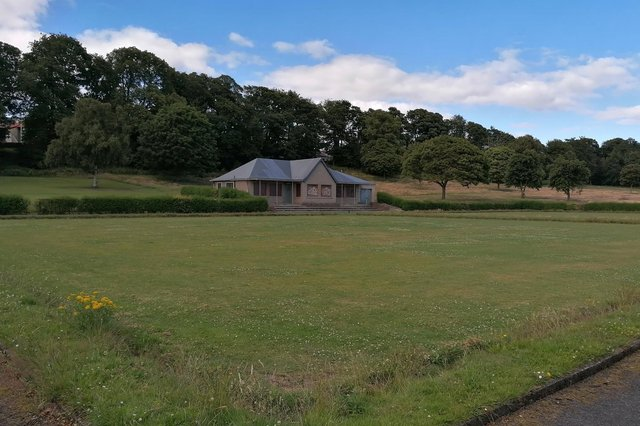 Ravenscraig Park, Kirkcaldy - the bowling green which is overgrown, and the clubhouseis  boarded up