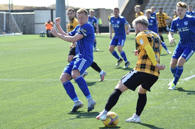 The Fifers again host the Blue Toon at Bayview.