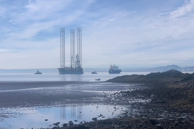 The oil rig arrived this morning to join the GPO Sapphire.