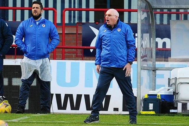 John McGlynn shouts instructions at Dens Park (Pic: Michael Gillen)