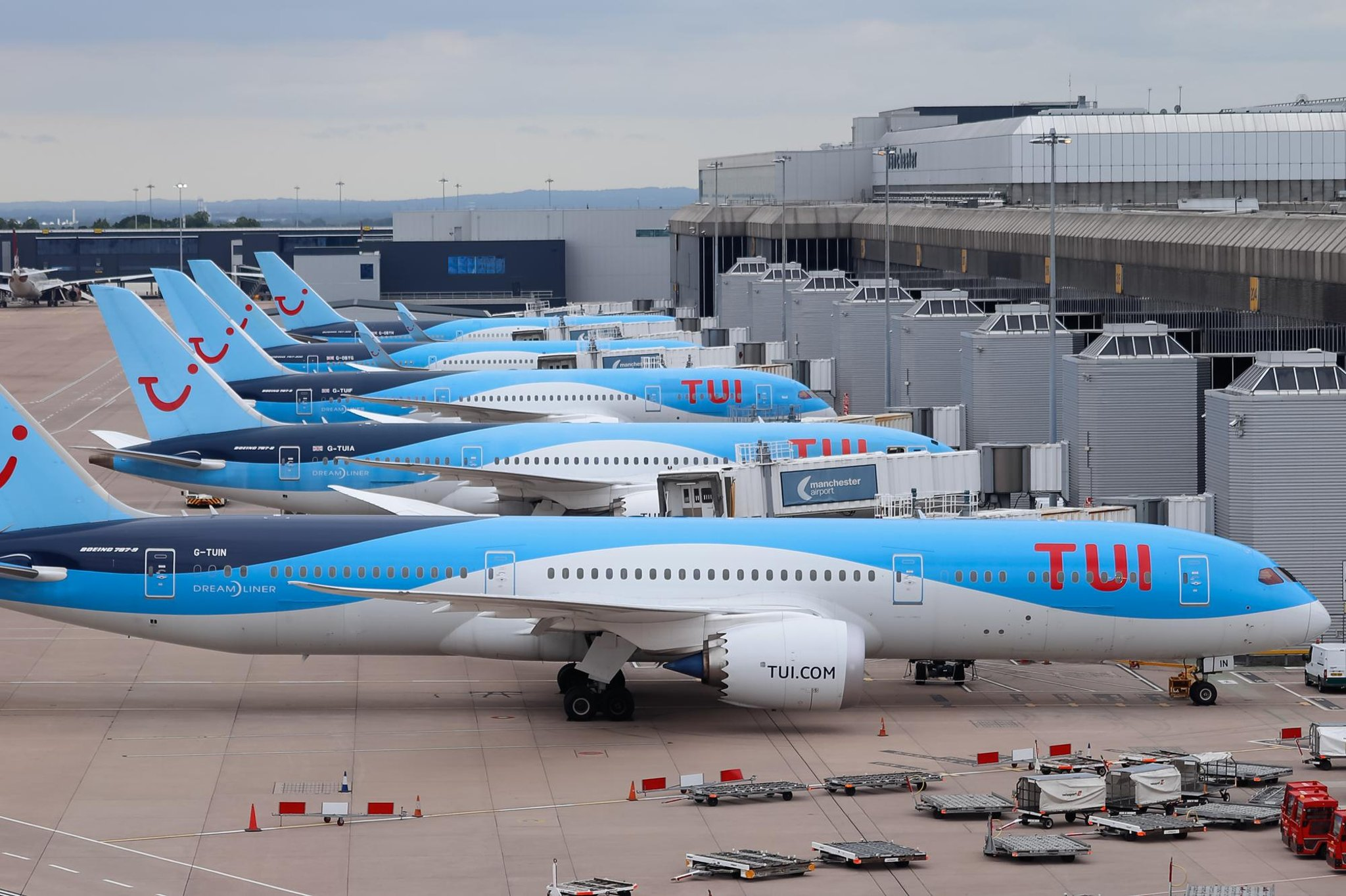 Airlines Tui UK and Aer Lingus resume international routes