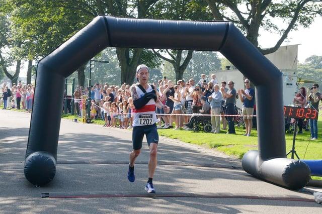 Kirkcaldy Half Marathon - Derek Rae wins the inaugural 2019 event (Pic: George McLuskie)